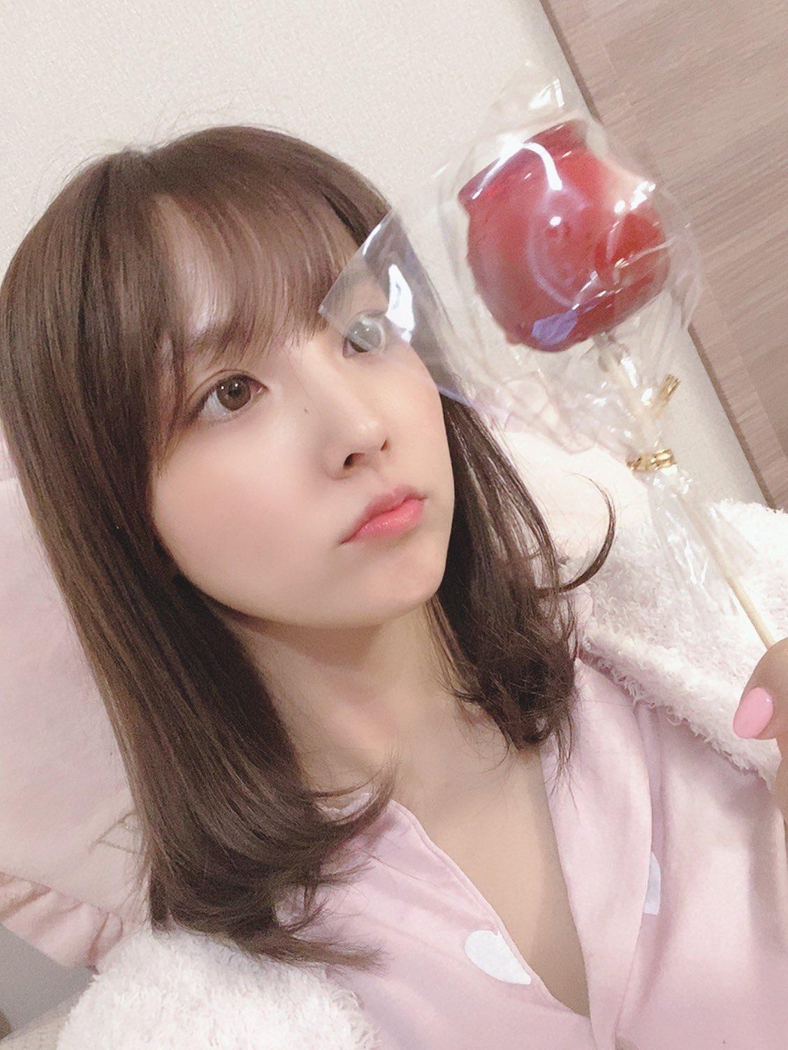 yua_mikami 1197367974186741760_p1