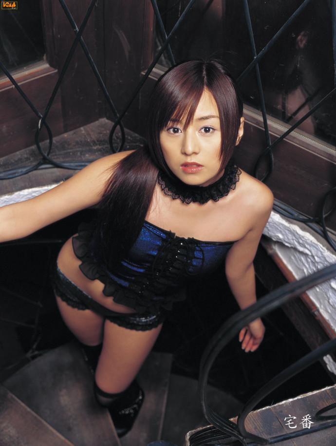 被年龄造假踢爆的夏川纯写真作品