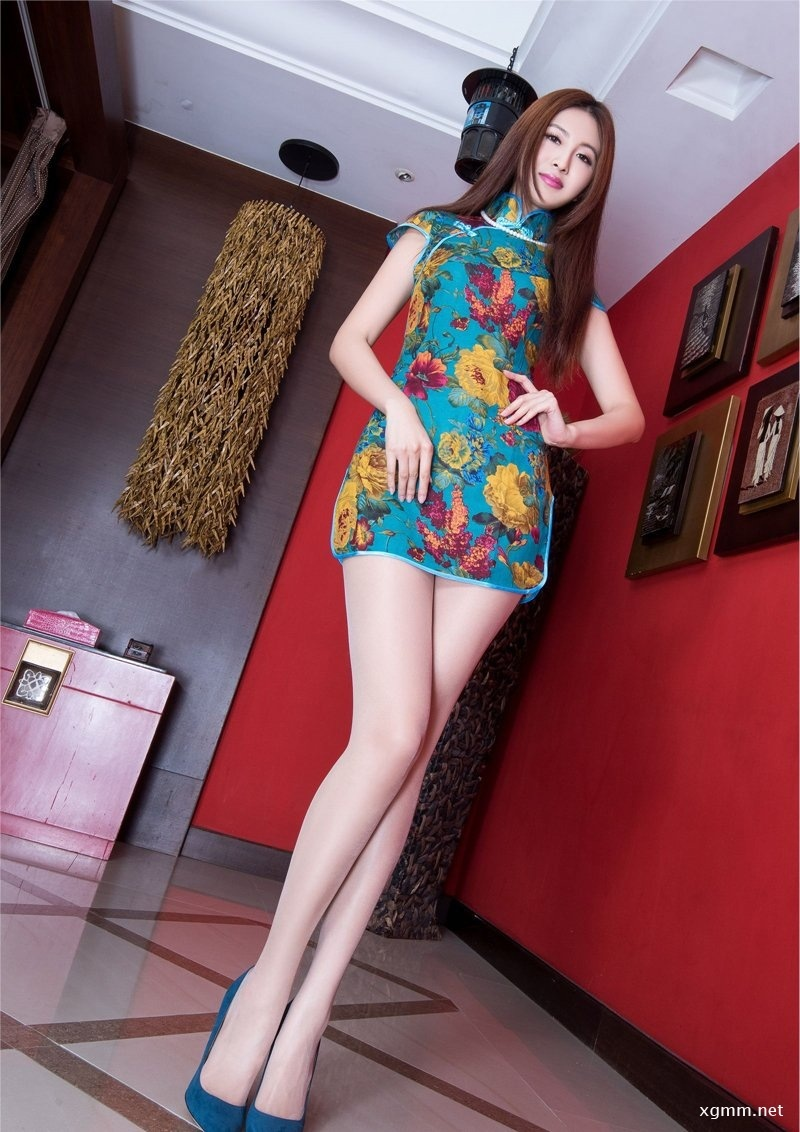 美女Vicni旗袍丝袜高跟秀丽写真