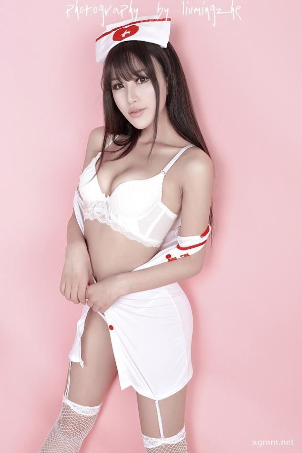 性感女护士美乳诱惑妩媚好身材(图1)