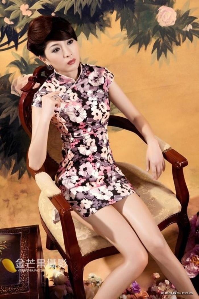 美女模特高雅传统艺术照