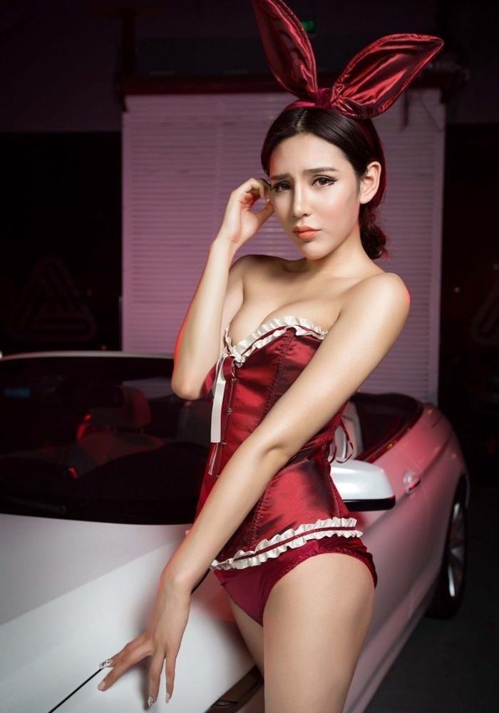 车模兔女郎汤天颖苗条身姿惊艳写真