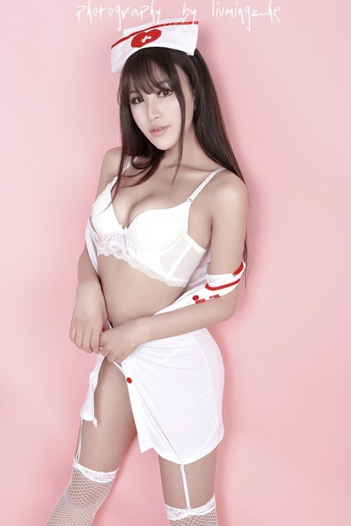 性感女护士美乳诱惑妩媚好身材