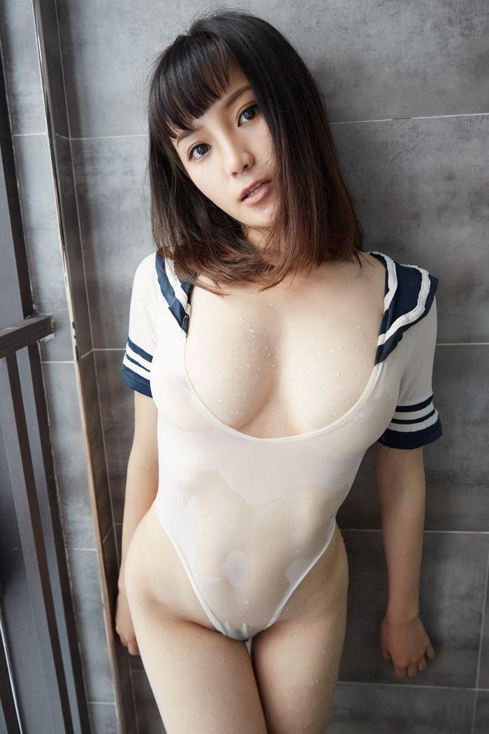 玲珑少妇结衣真空上阵白嫩胴体很诱人