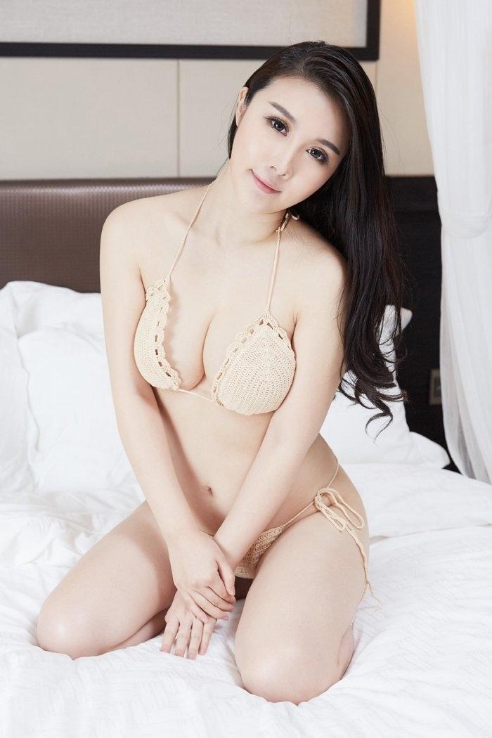 熟女陆萱萱真空上阵大秀性感豪乳