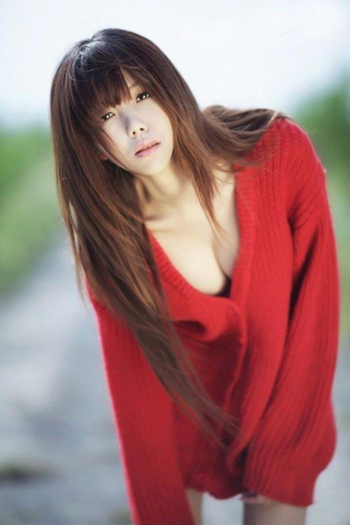 红衣美眉野外写真图片 超美超清纯