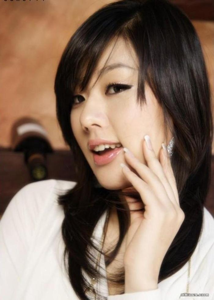 典型的清纯韩国女人