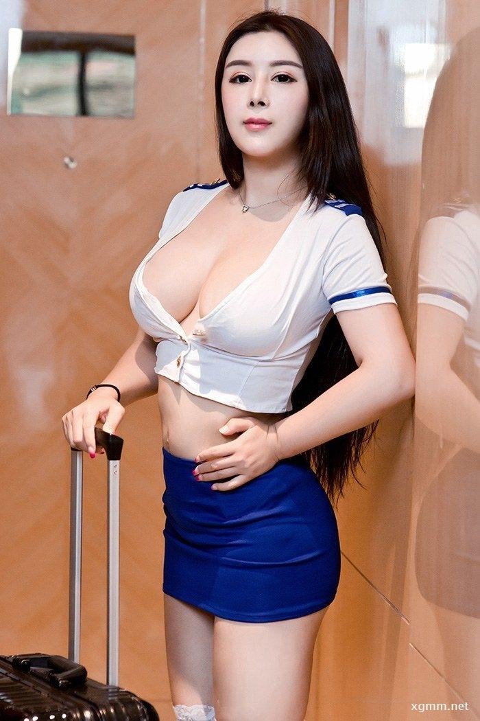 妖媚熟女雪千寻巨乳肥臀呼之欲出(图2)