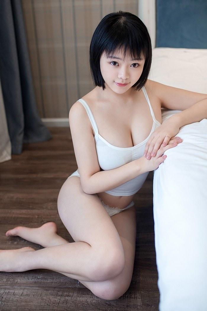 巨乳少女赤间菀枫惹火身材太诱人