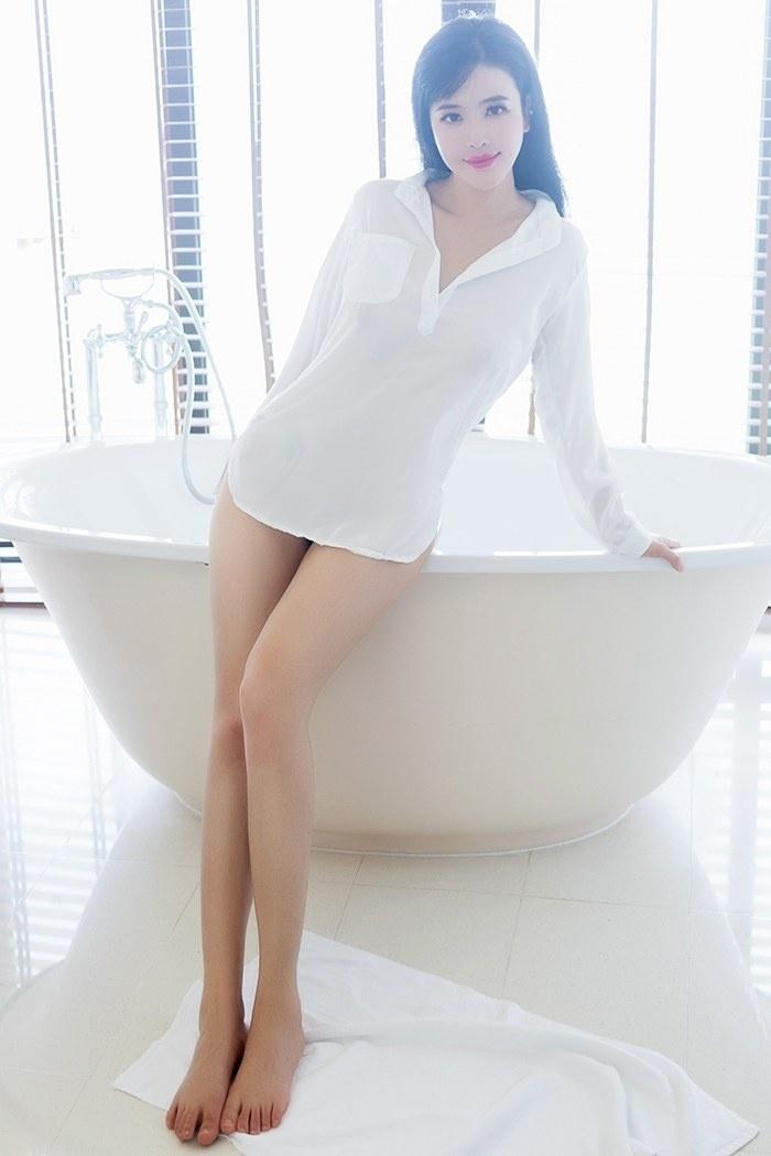性感女王刘钰儿白嫩爆乳跃跃欲出