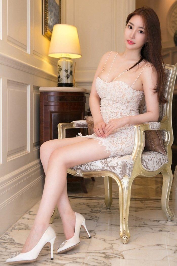 知性丽人卓雅花样蕾丝演绎熟女风情