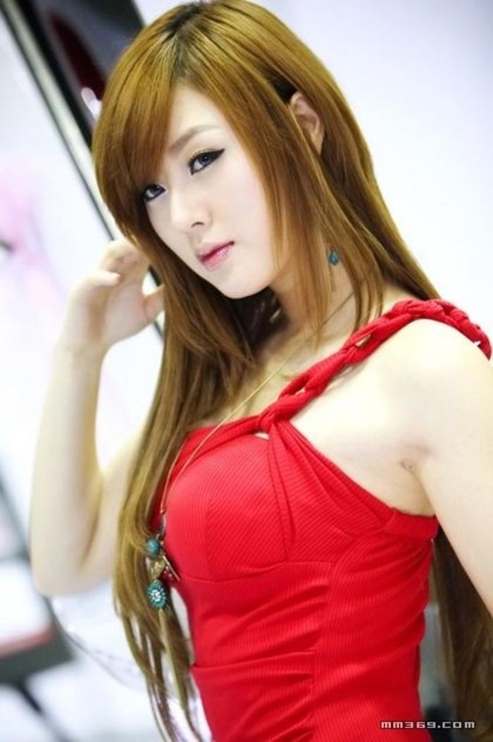 韩国顶级美艳车模黄美姬