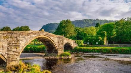 兰鲁斯特一座名为Pont Fawr的石拱桥