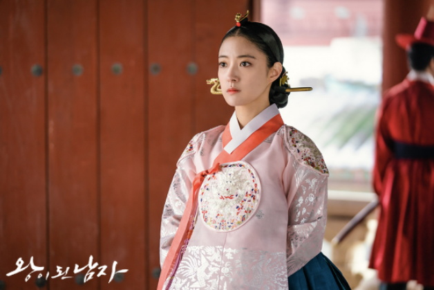 tvN新剧《双面君王》今天开播,吕珍九搭档李世荣值得大家期待!插图4