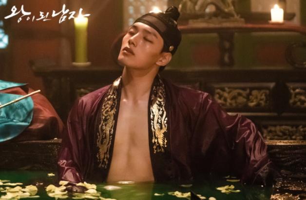 tvN新剧《双面君王》今天开播,吕珍九搭档李世荣值得大家期待!插图