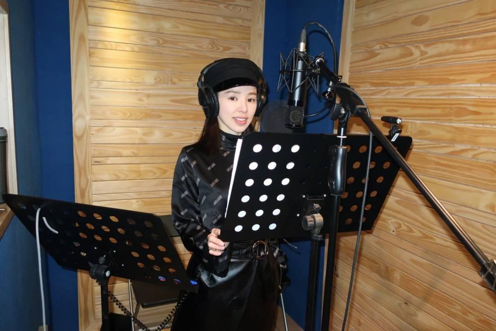 在《大帅哥》饰演日本间谍的她,居然是日本音乐教父的徒弟?插图6