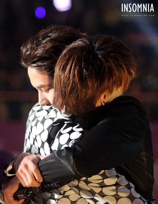 翻唱钟铉第一首Solo曲圭贤泪洒舞台,后悔没有走近好友!哥有努力唱,你听到吗?插图11