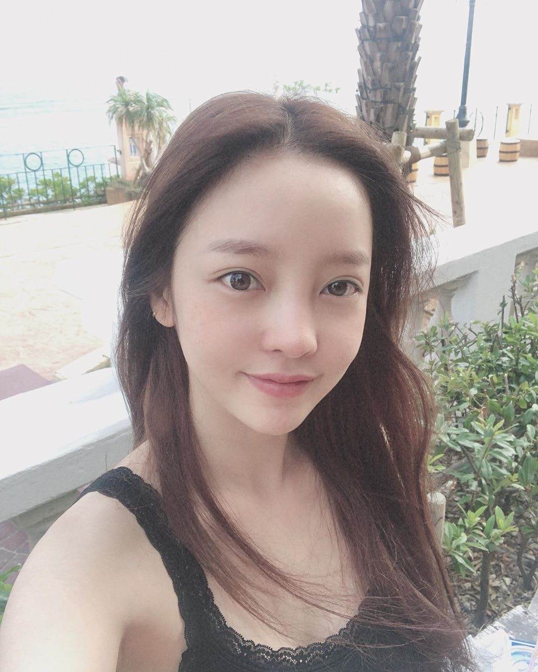 韩国演艺圈传噩耗!具荷拉被发现在家中身亡,好友雪莉上月才去世插图(1)
