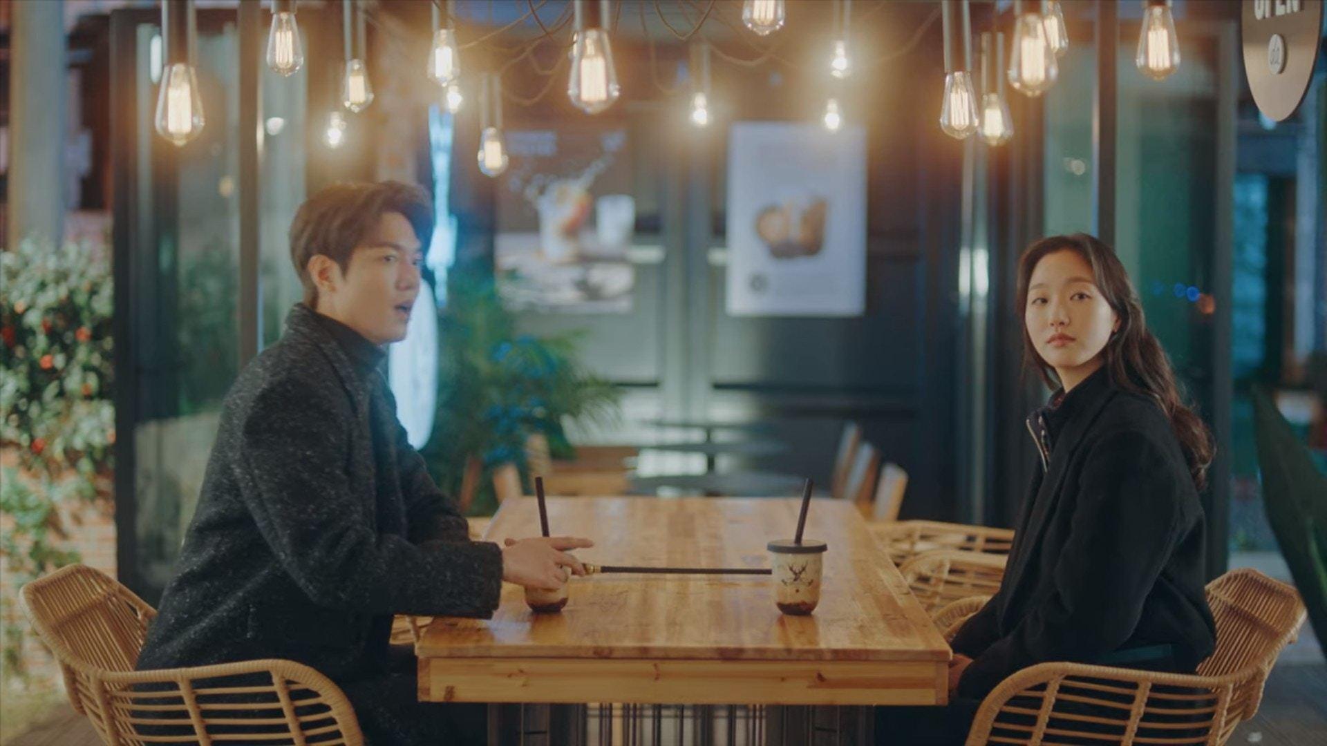 收视创新低!韩剧《国王:永远的君主》广告植入太生硬,引网友吐槽:这是电视剧还是购物广告?插图4
