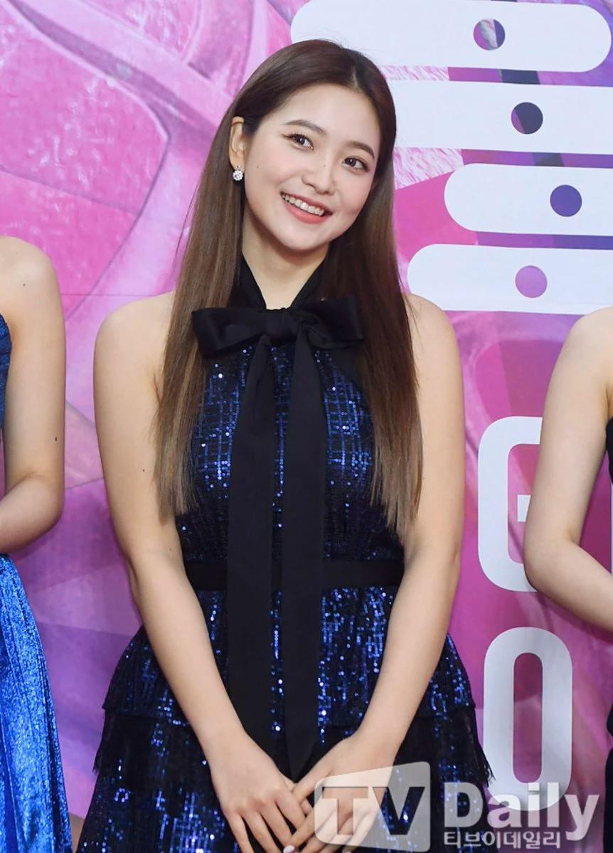 Red Velvet忙内Yeri十大最令人惊艳的红毯造型插图(14)