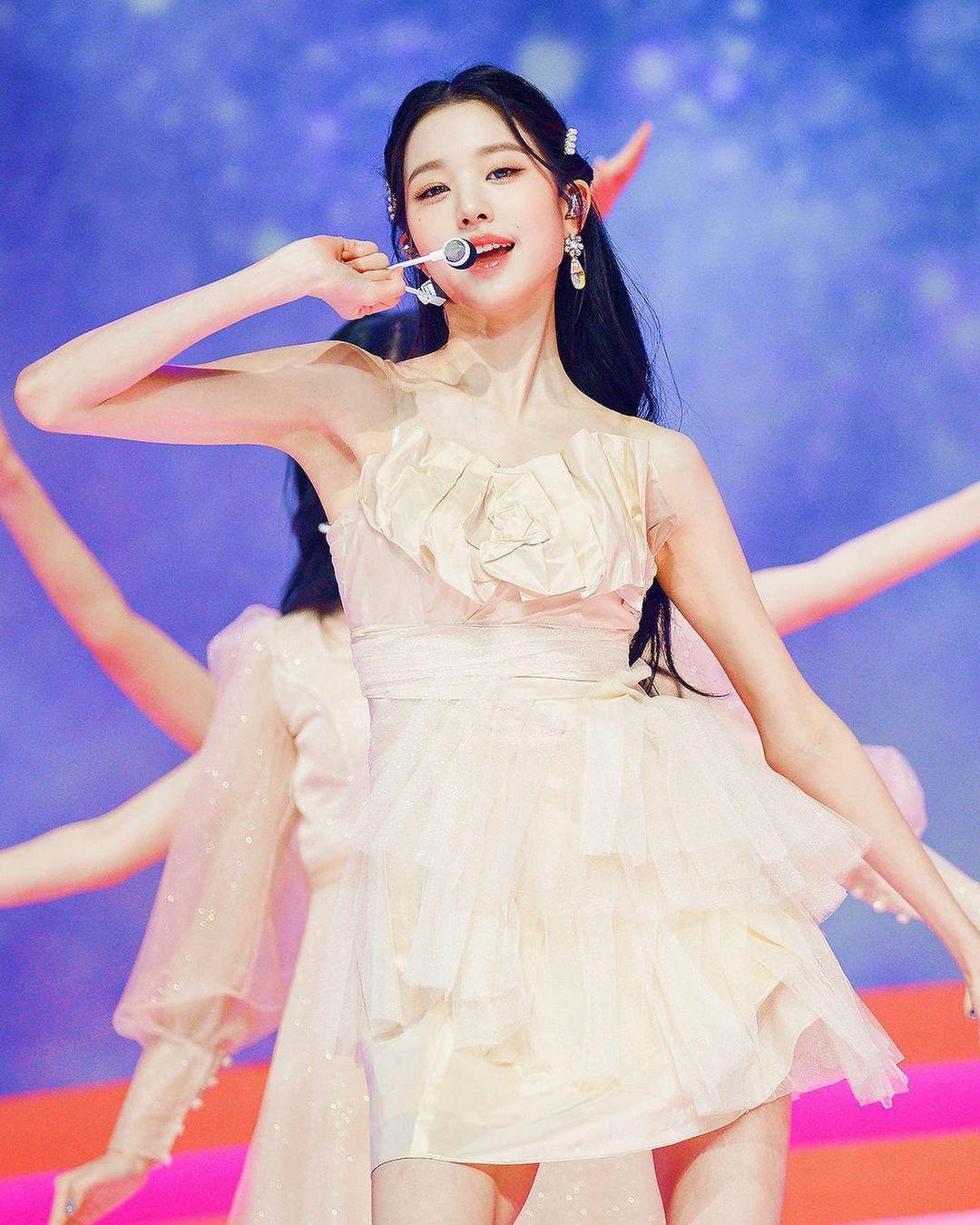 韩国记者评选最美女星,这3位偶像入选,她们真人比照片更美!插图4