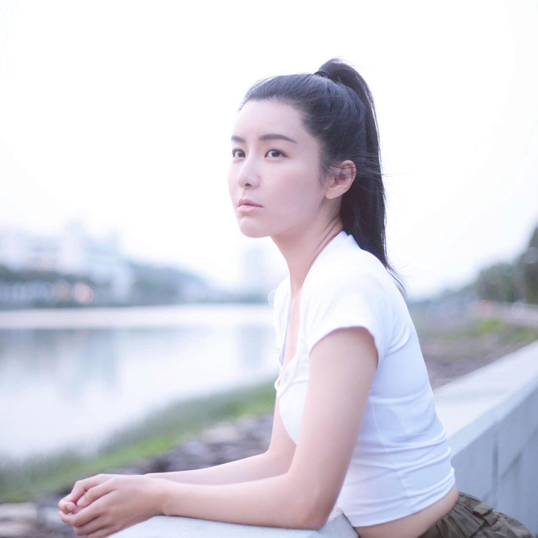 新生代文青女神「陈欣妍」空灵气质清新脱俗纤细曼妙-新图包