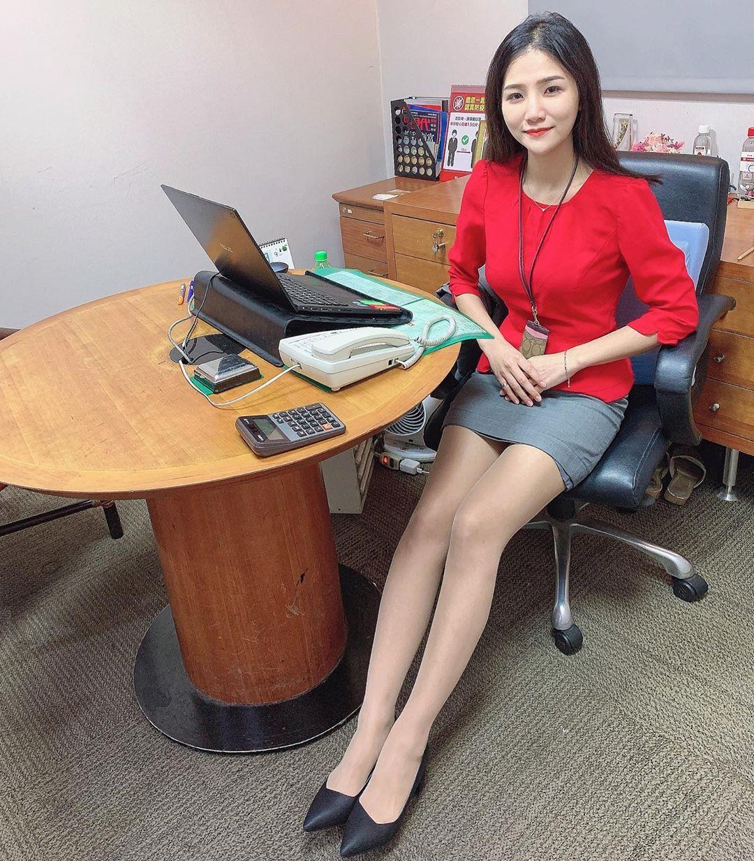 台北银行理财专员林小欣沙滩展示极品身材超凶猛 养眼图片 第4张