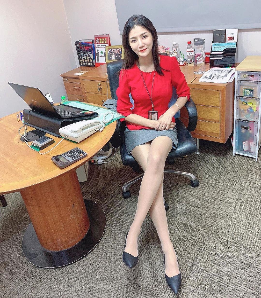 台北银行理财专员林小欣沙滩展示极品身材超凶猛 养眼图片 第5张