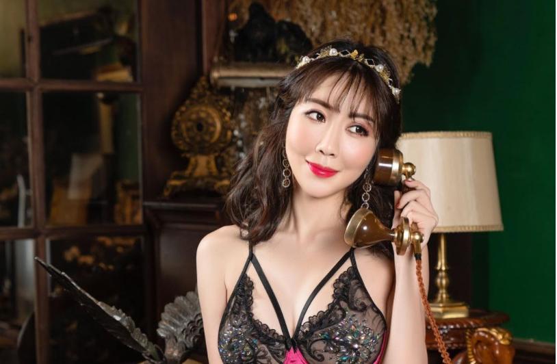 情欲美娇娘Jeannine珍琳女魂爆发对镜头色气开撩 宅猫猫 热图3