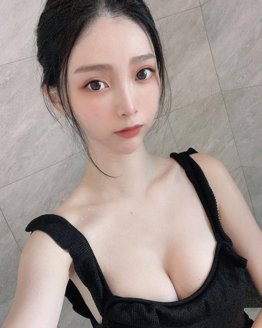 台北动物园出没超丰满清凉造型白皙吊带妹Lily 妹子图 热图2