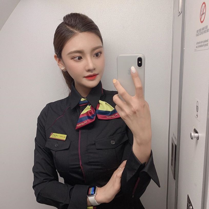 女神级空姐Anna制服造型甜度满满 饱满曲线征服全场 男人文娱 热图5