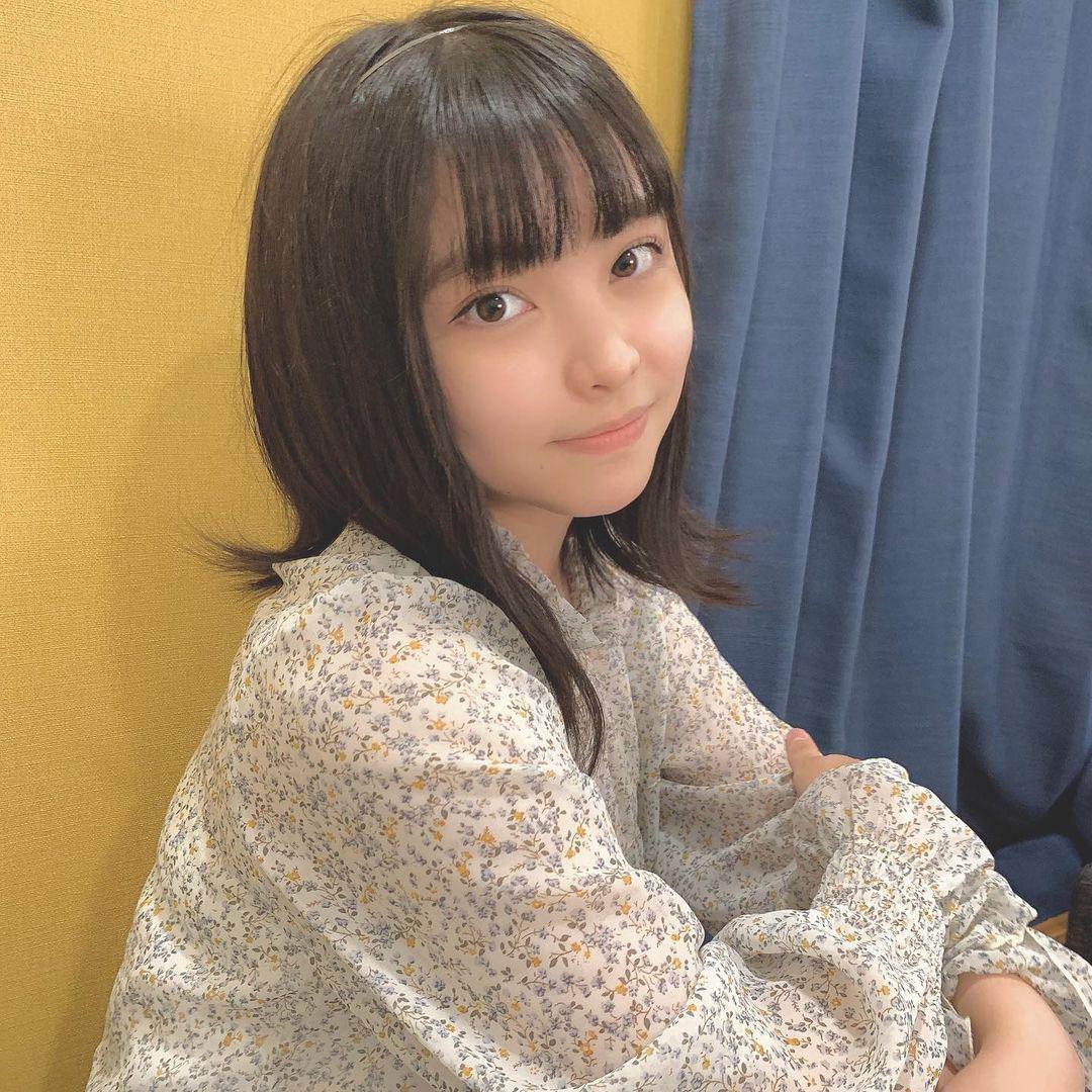 清纯小高二「TOWAKO」邻家妹妹气场亲和力十足软萌「婴儿肥小脸」让人好想捏-新图包