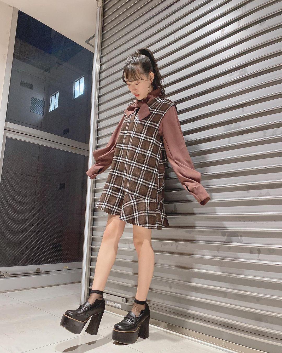 19 岁女团NMB48 成员「上西怜」身材超不科学!湿身晒「F 罩杯」辣翻-新图包