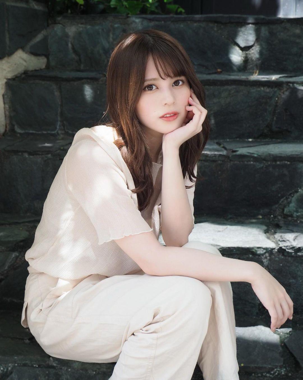 混血美女吉崎绫精致美颜全身散发空灵气场