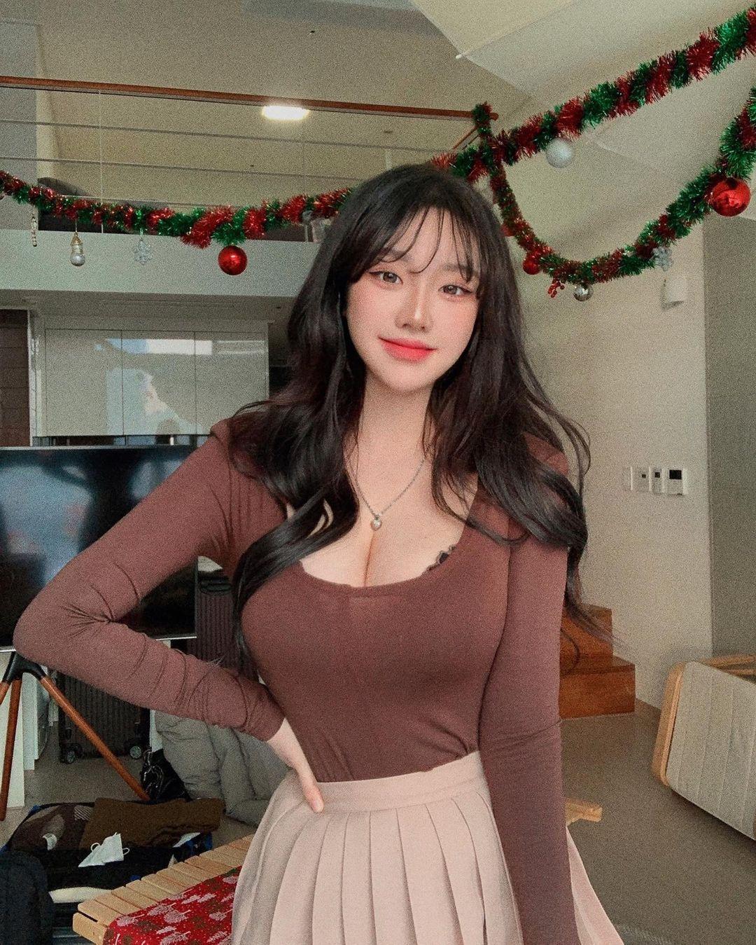 韩国美女sejinming雪白的肌肤配上乌黑的波浪秀发 养眼图片 第3张