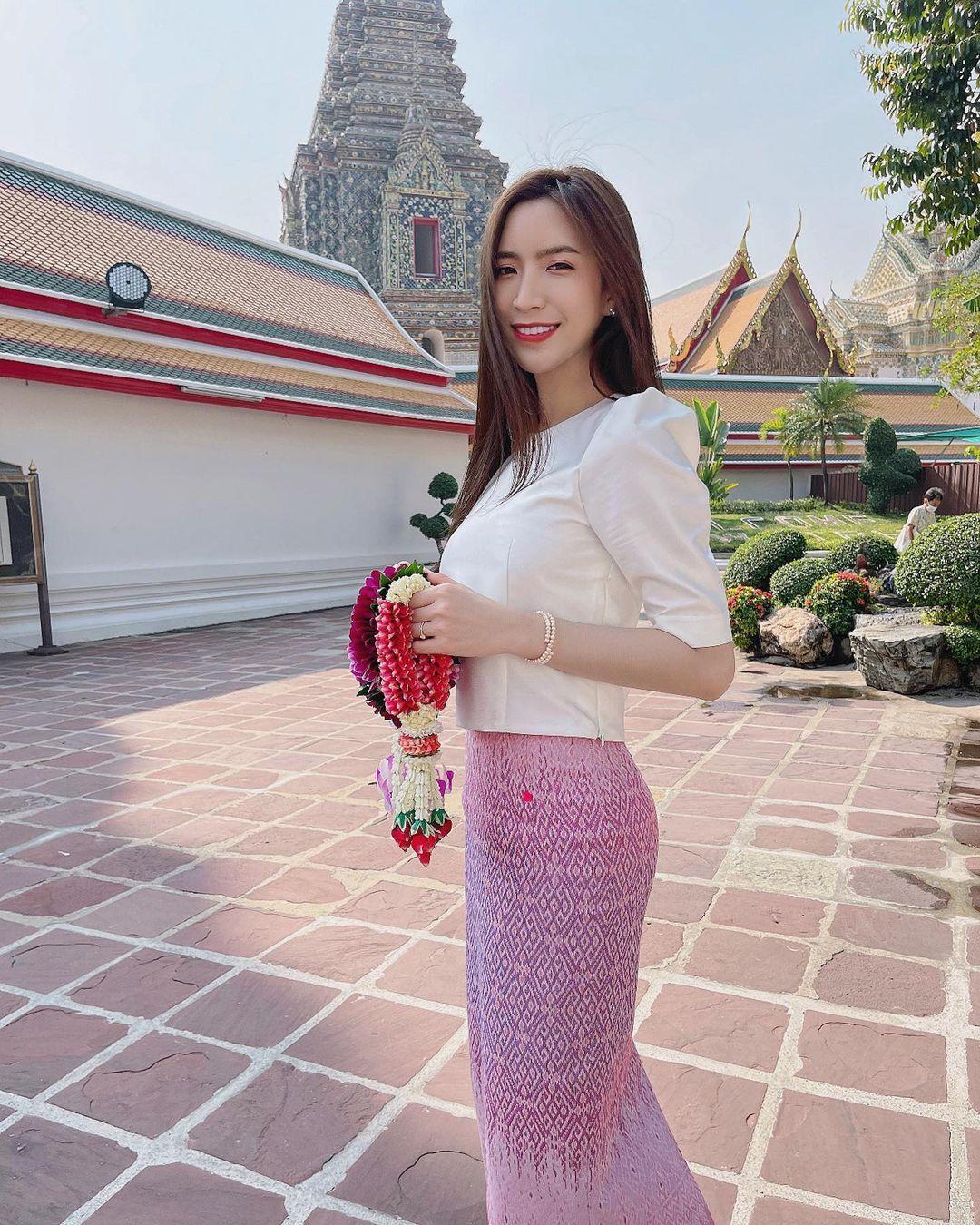 泰国正妹「Jarinporn Boonrit」,娶到她爱情面包也可兼得!-新图包