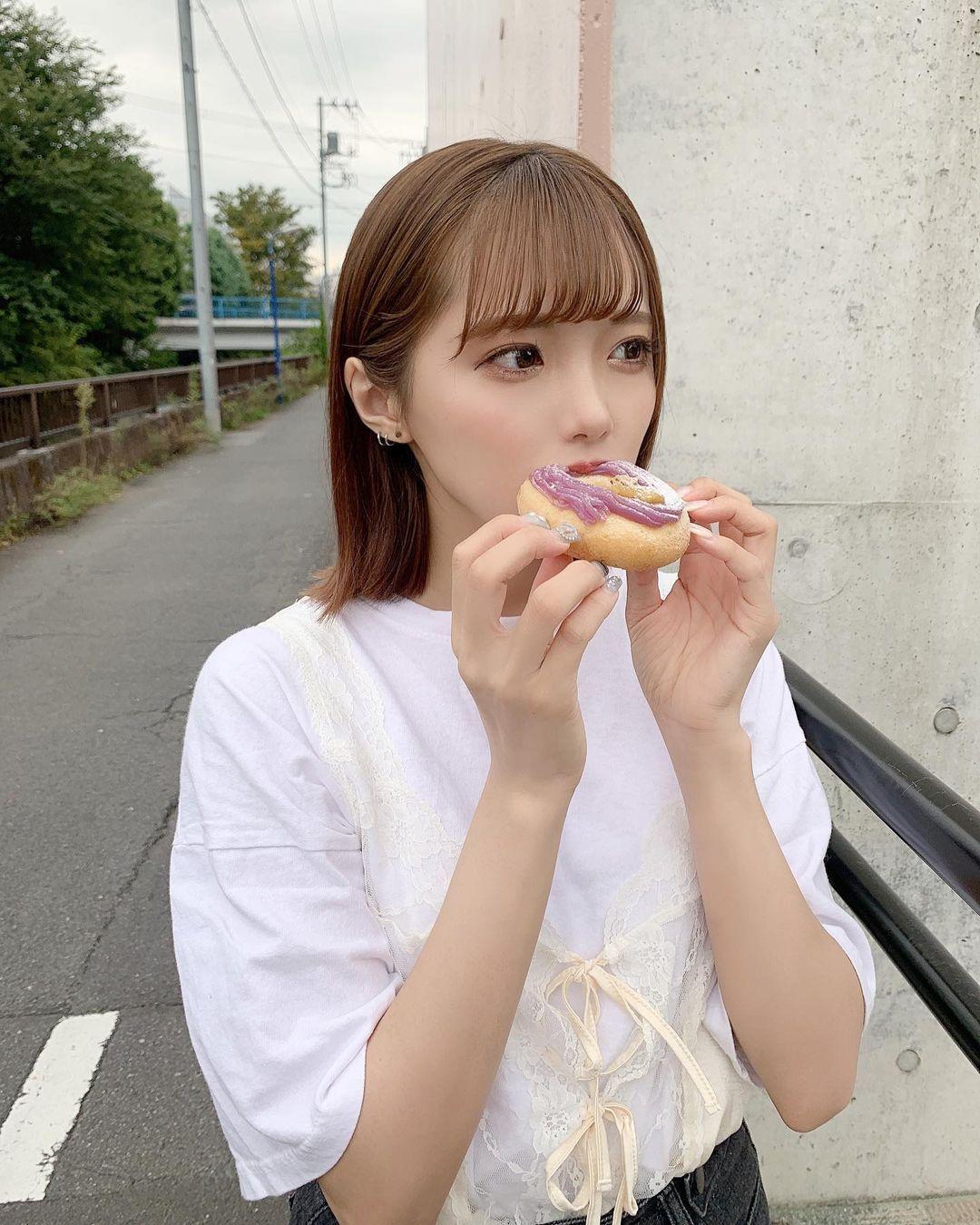 呆萌樱花妹「福山梨乃」宽松男友风超卡娃伊,,实在是可爱到一个过分啊-新图包