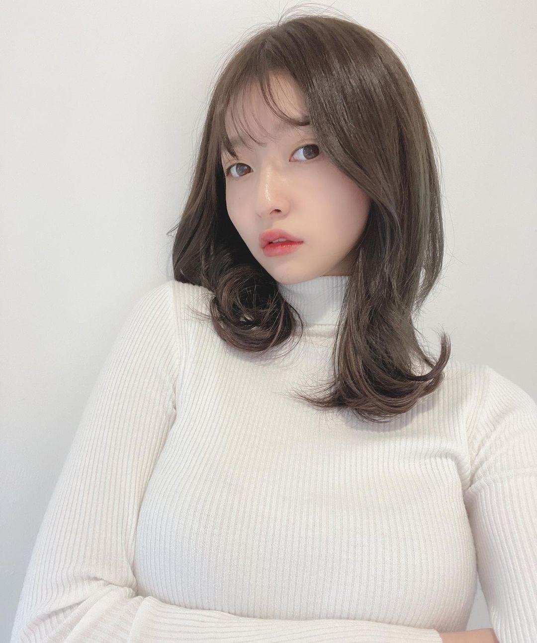 「拉面千金」登杂志封面「爆马甲」太火辣!竟还与明日花绮罗合作新歌MV!