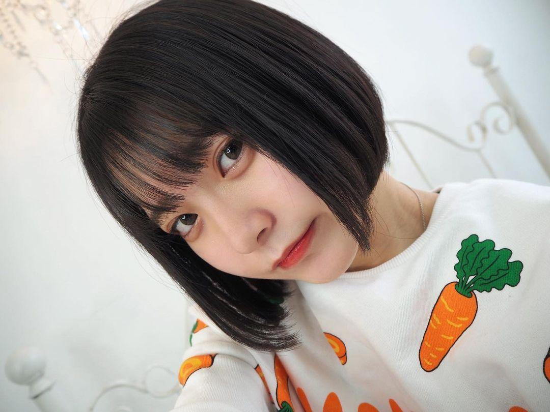 17岁仙女高中生瀬戸りつ绝美长相激似IU 全身散发空灵气质美到有点不真实 养眼图片 第15张