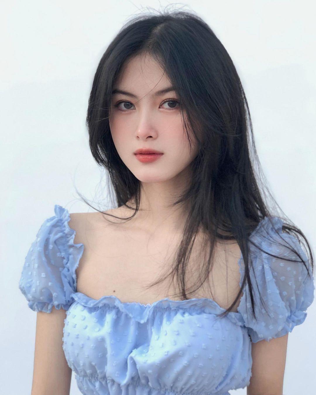 [人物]清纯越南妹子「Leely」辣穿奥黛,让人不被她掳获都不行啊. 养眼图片 第13张