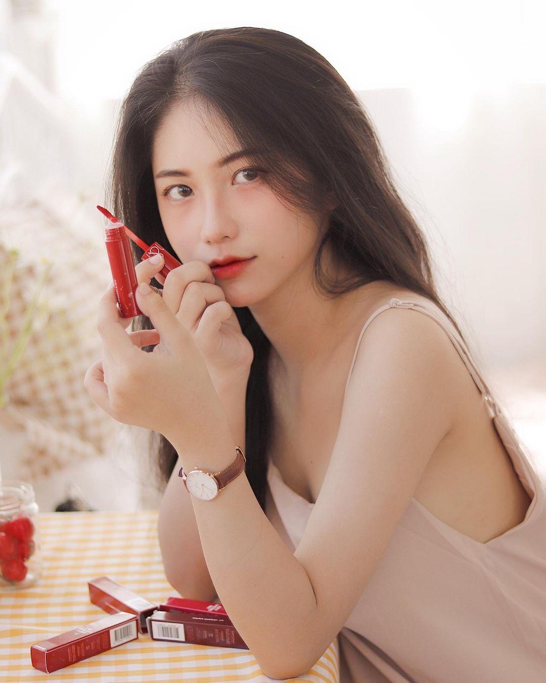 天菜越南妹「Kim Anh」迷蒙眼神仿佛随时在放电空灵气质更是无比疗愈人心 养眼图片 第26张