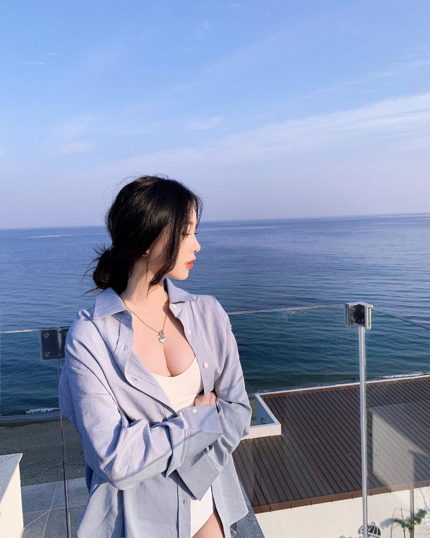 「天菜小姊姊」极品小蛮腰超性感.甜美气质笑容回头率满分 网络美女 第3张