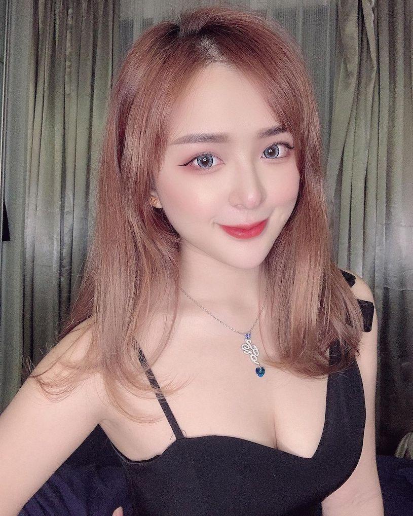 马来西亚美女JESSICA洪襹璘一双大眼充满了勾人的电力