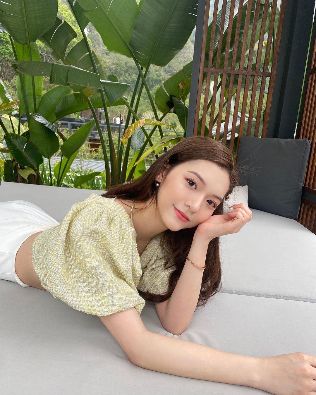超正白富美Lillian Chen,脸蛋甜美身材火辣,穿搭气质漂亮-新图包