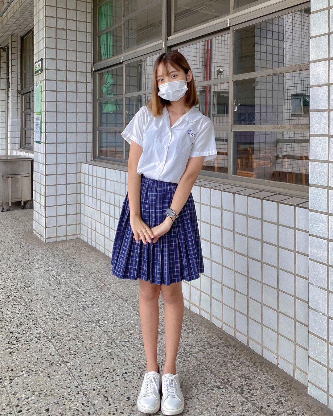 高雄小港高中18岁清纯学生妹,短发俏丽笑容甜美,个人IG好几万人追踪 养眼图片 第5张