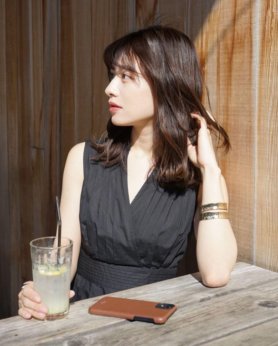 东京私立名校毕业的美女时装设计师日本妹子的清新甜美气质真的好可爱 养眼图片 第2张