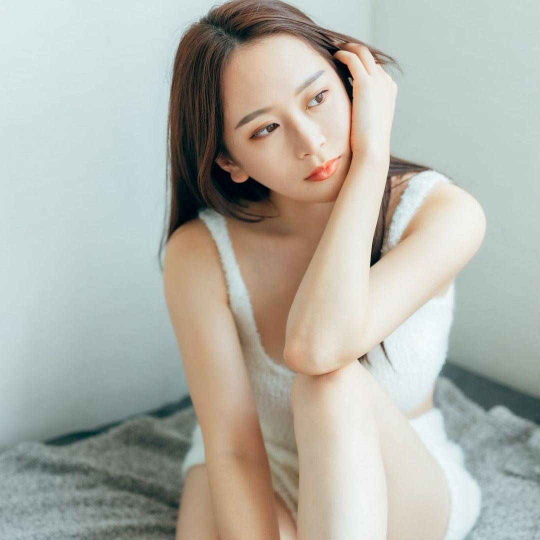 [正妹]正妹爱拳击 赛车女郎[福江ななか]天然安全气囊 网络美女 第2张