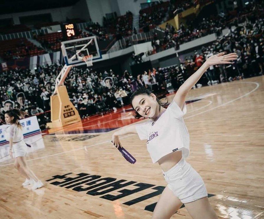 职篮啦啦队员「李芷霖」充满青春活力意外发现是多年前爆红的正妹-新图包