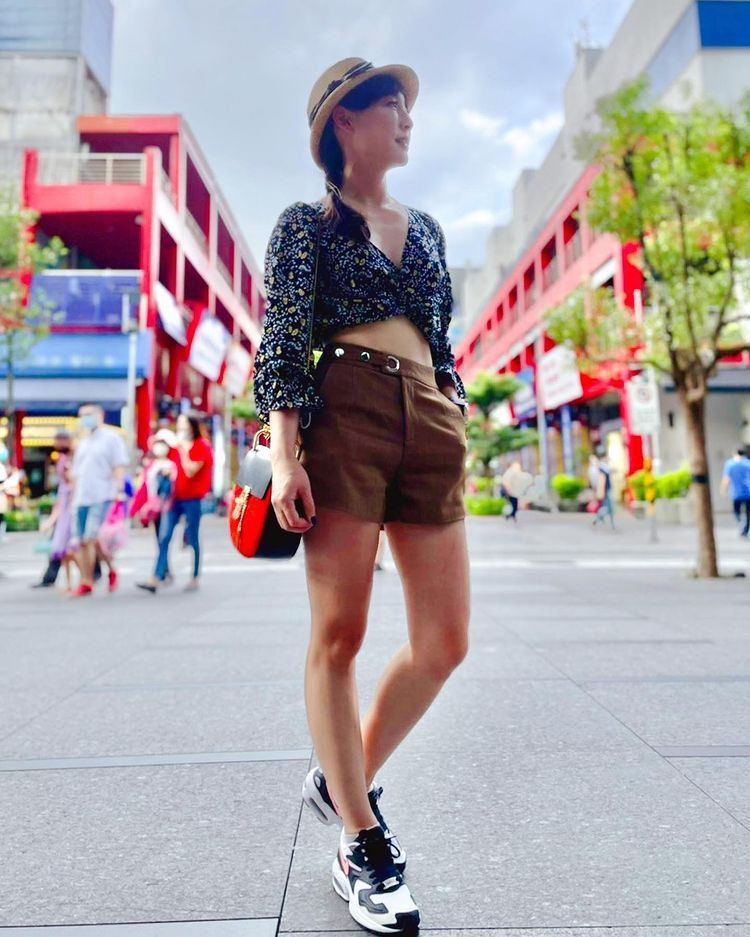 美女主播吴宇舒在家健身大晒马甲线辣照狂吸万人按赞 网络美女 第14张