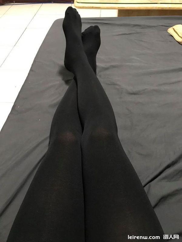 骑车怕冷…他问「男生不能穿裤袜?」 网狂歪楼:还以为是妹子的腿!